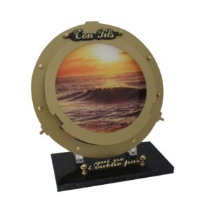 plaque funeraire originale design hublot soleil mer