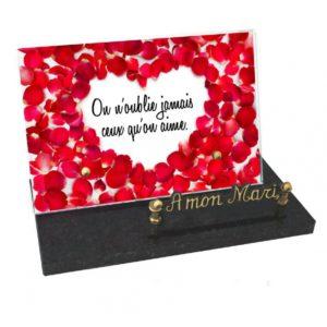 plaque funeraire personnalisee coeur petales roses