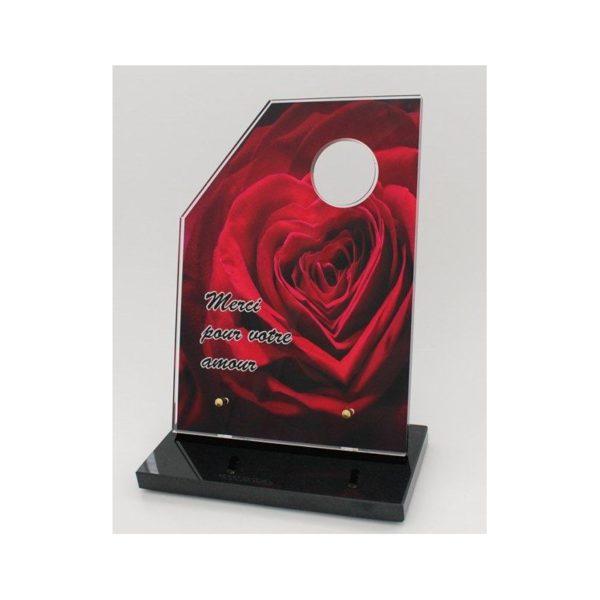 plaque funeraire plexiglas rose personnalisee